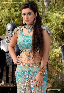 Hansika latest hot navel show photos from Puli