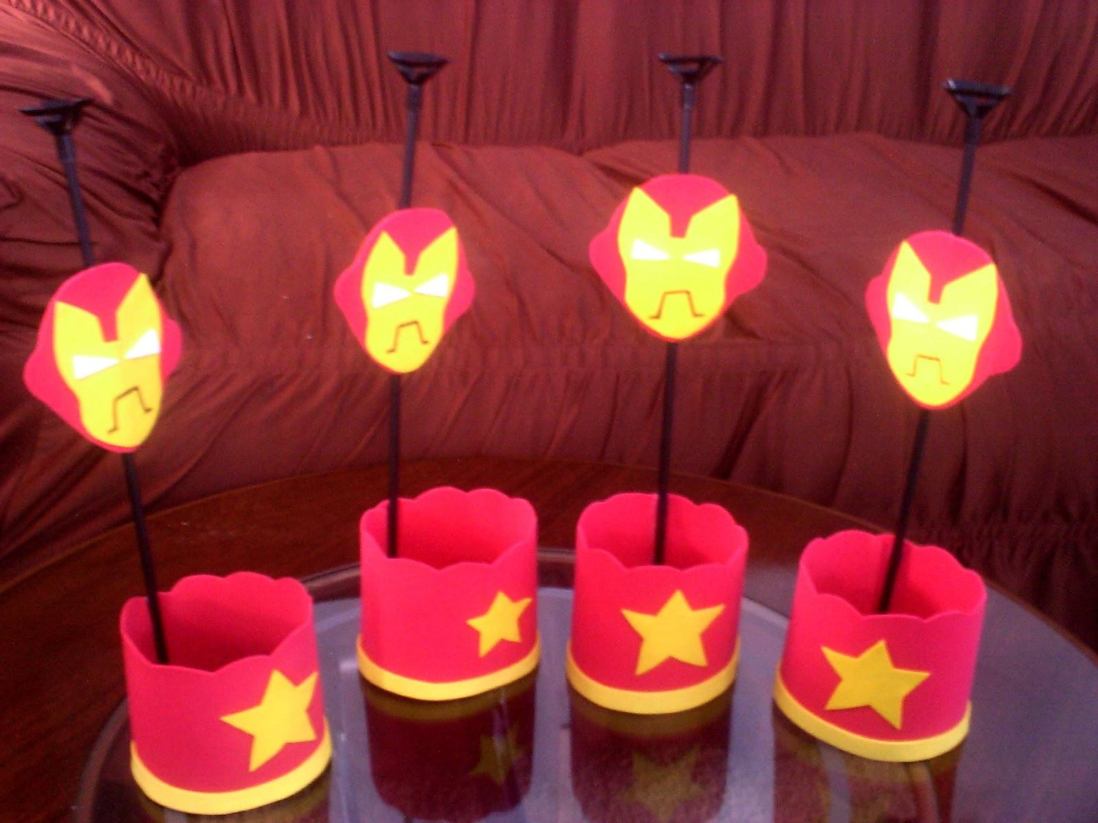 Bia Biscuits e EVA !: Centro de mesa do Homem de Ferro !!