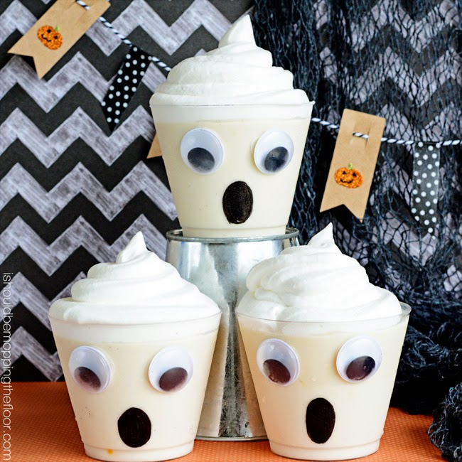 Ghostly Pudding Cups with White Chocolate Raspberry Pudding | Perfect for all of your Halloween entertaining!