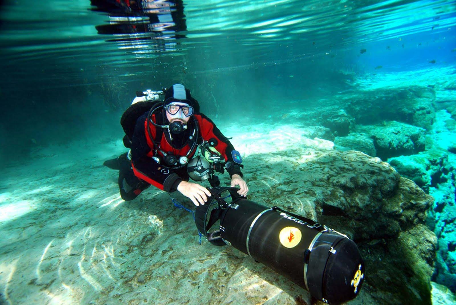 http://2.bp.blogspot.com/-yOvlwYt093o/Ti2K4lu2JEI/AAAAAAAAHgI/1cilSlkLuXM/s1600/Cave+diving+by+cool+images786+%25284%2529.jpg