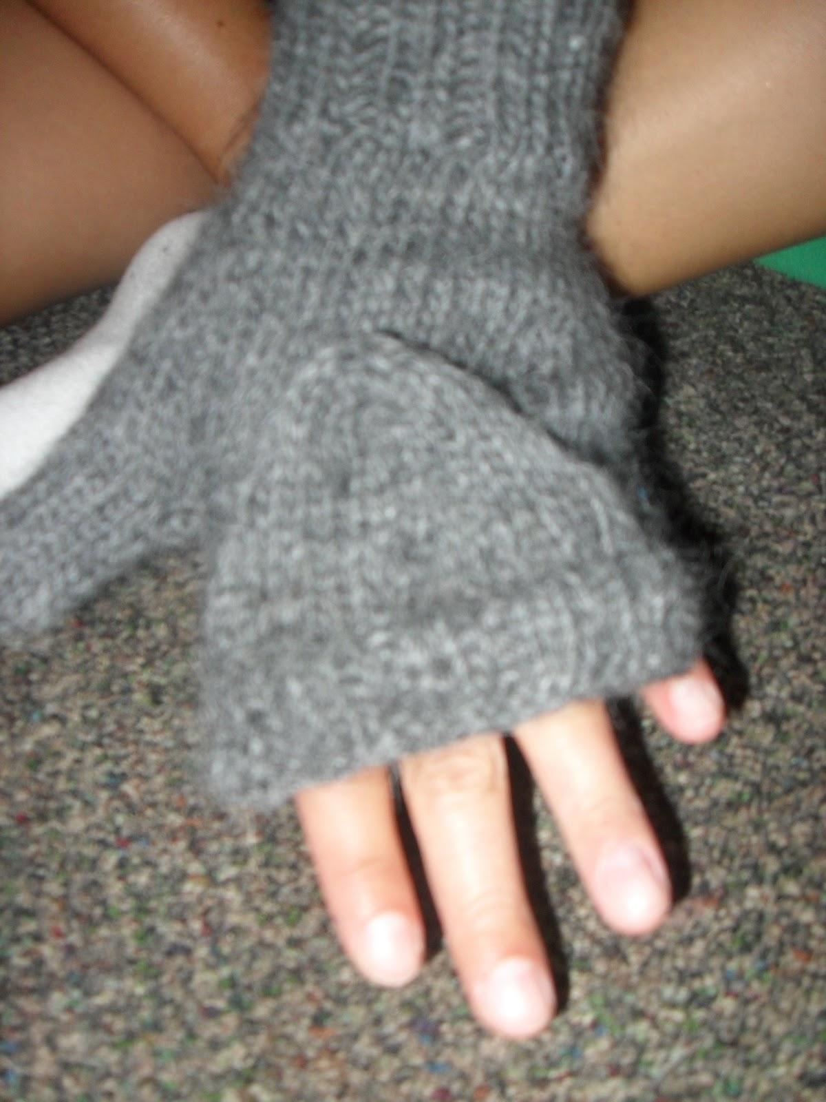Knitting Pattern For Flip Top Mittens : Knitting 60 Projects From 60 Quick Knits: Pattern #56 Flip Top Mittens