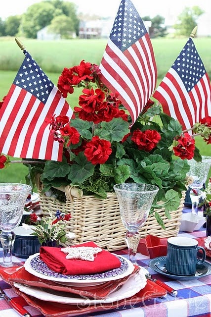 http://www.stonegableblog.com/2010/05/memorial-day-table.html