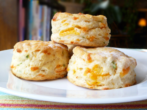 Cookistry: Cheddar-Scallion Biscuits