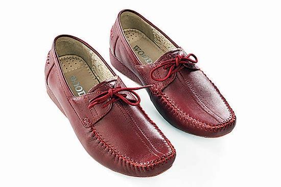 Wonderful Volatile Women39s Woodland Sandals Grey  5115927121199880