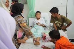 Wanita dan Dua Anak Kena Bom Dalam Masjid di Patani