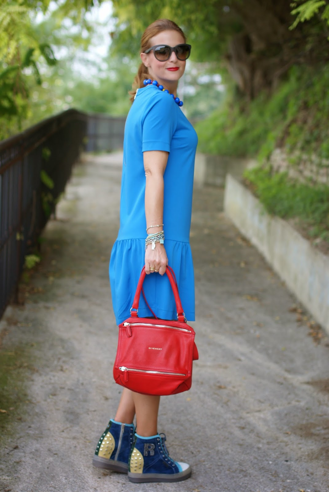 Ruco Line sneakers, Givenchy Pandora red bag, Ruco Line new collection Fall Winter 2015 2015, Tessitura Lancioni scarf, Fashion and Cookies, fashion blogger