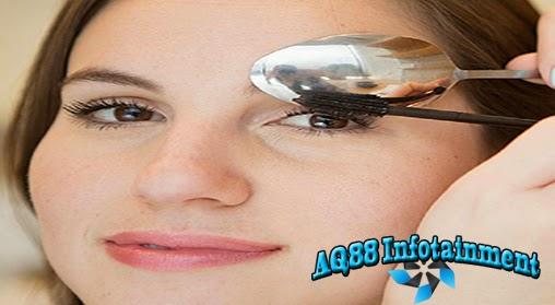 Agen Capsa Susun -  Mempunyai bentuk mata yang indah adalah dambaan setiap orang, terlebih lagi bagi para wanita. Mata adalah senjata ampuh mereka untuk memikat lawan jenis