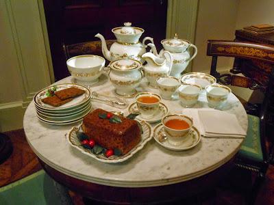 http://2.bp.blogspot.com/-yPqC10EQ-rM/VKBWIwmtyRI/AAAAAAAArxg/xMSgpEGoW3s/s1600/tea%2Bservice.JPG