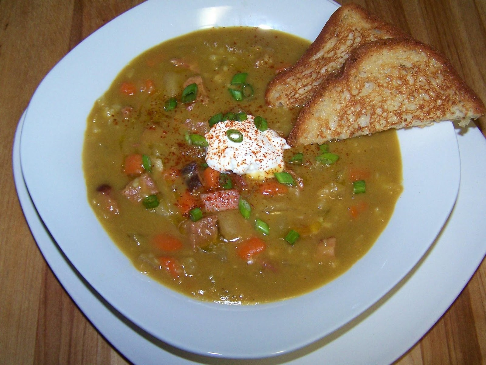 EZ Gluten Free: Slow Cooker Split Pea and Ham Soup