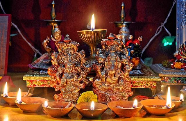 Diwali History Significance Of Diwali Festival Diwali 2013 Diwali Wallpapers Diwali Muhurat