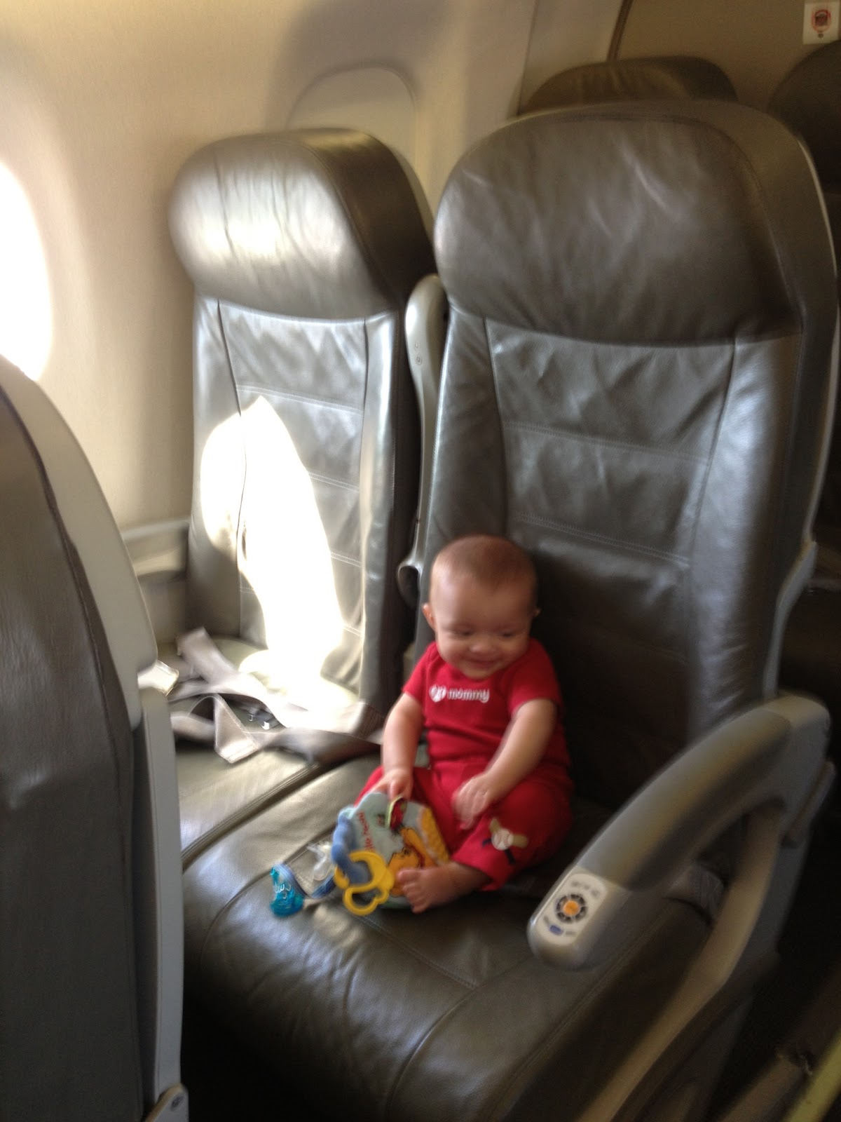 When Tara Met Blog: Tips for Flying with Infant or Toddler Twins