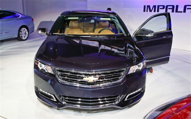 The General Expects The 2.4 Liter EAssist Model To Be EPA Rated At 35 Mpg  On The Highway. The Platform Mate LaCrosse EAssist Is Rated At 25/36 Mpg ...