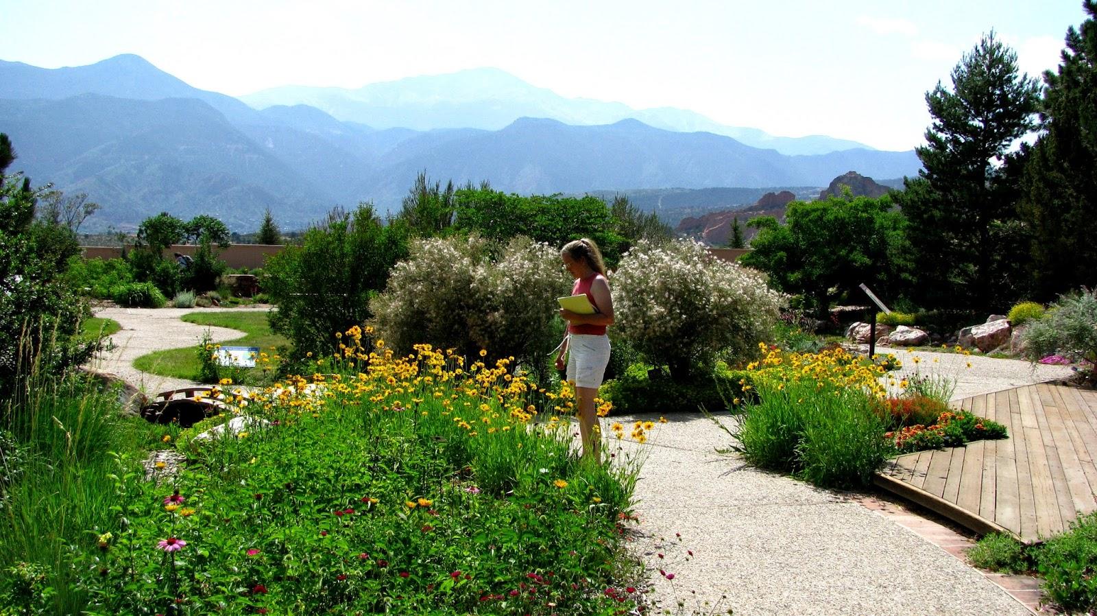Prairiebreak: A regional gem: Colorado Springs Xeriscape ...
