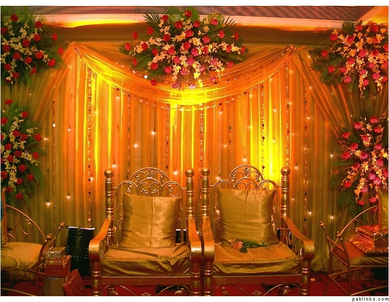 Mehndi Decoration Stage : Mehndi stage decoration fashion in new look