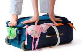 filha arrumando malas pra morar com o pai