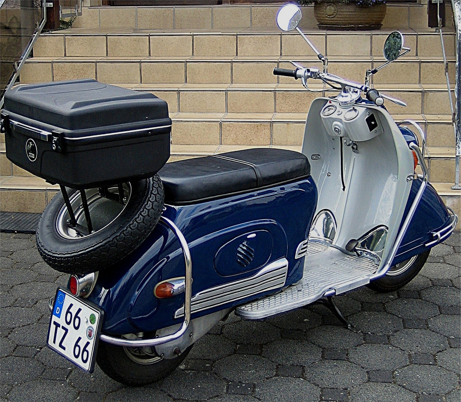 heinkel tourist vespa scooters. Black Bedroom Furniture Sets. Home Design Ideas