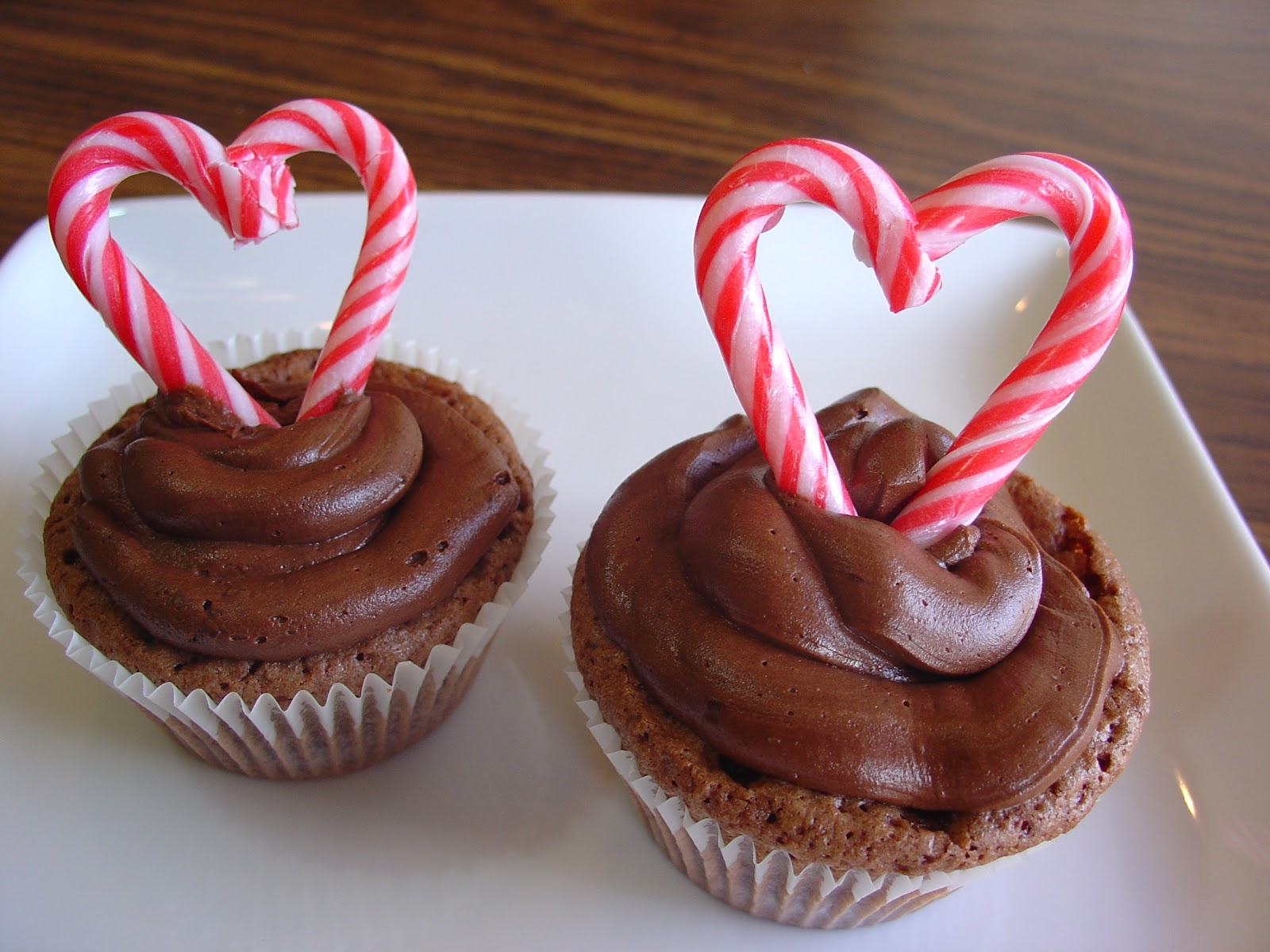 The Sisters Dish: Brownie Cupcakes