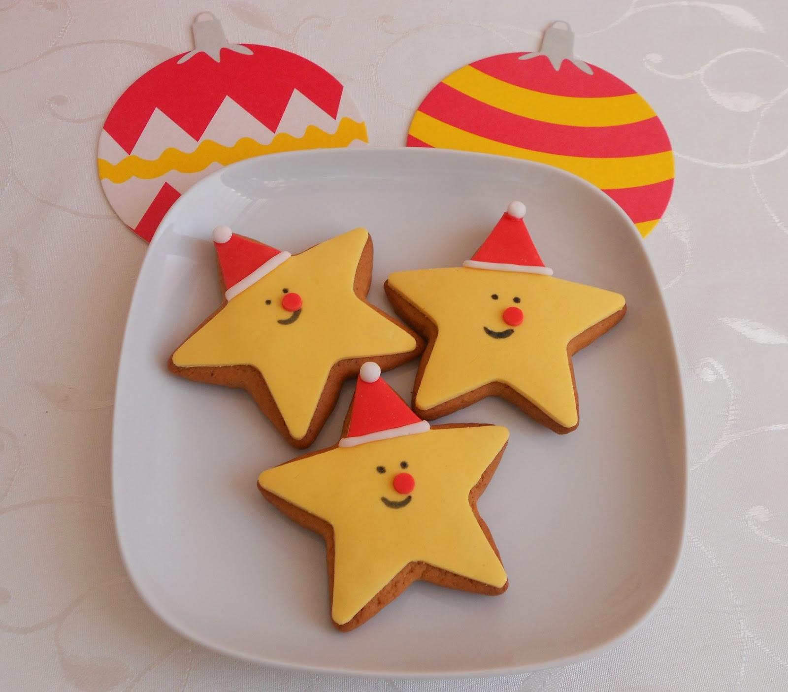 y las estrellas blancas imitando una guirnalda navidea son ms para los mayores estas tengo que probar a rellenar el centro con caramelo derretido