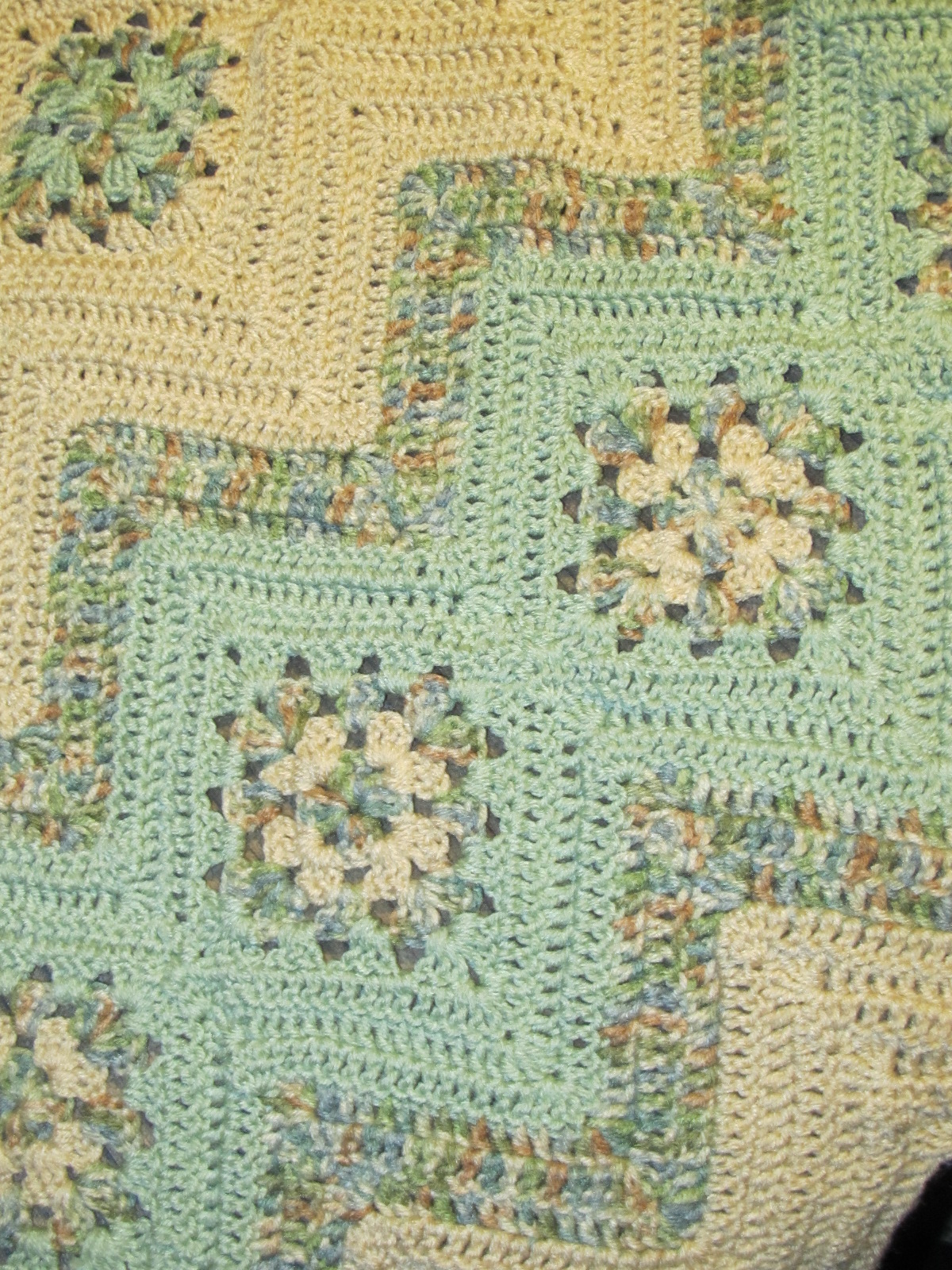 Granny Ripple Afghan Pattern Cool Decorating Ideas