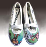 sepatu lukis,sepatu lukis cewek,sepatu lukis keren,sepatu lukis kartun,sepatu lukis karikatur,sepatu,lukis,sepatu lukis cewe