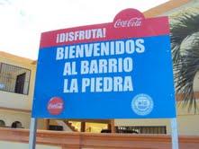 Alcaldía y empresa instalan letreros para identificar barrios de SPM