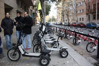 Un patinete puede circular en urbes a 25km/h y un vehículo hasta 20km/h en vía de un solo carril