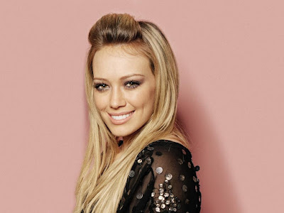 Pop Queen Hilary Duff Wallpaper