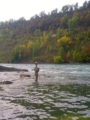 Easterncaster Craig Buckbee at Devil's Hole, Niagara River
