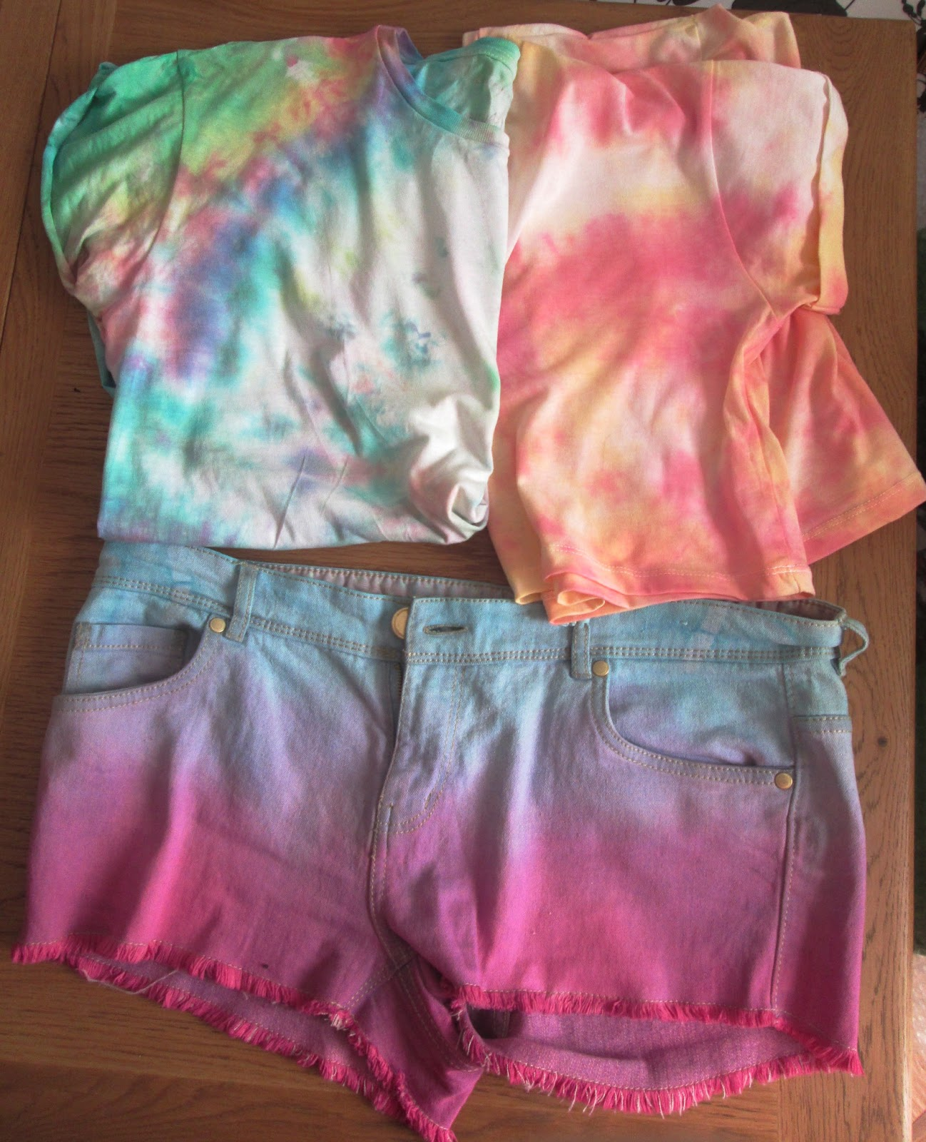 The prudent student diy tie dye shirts and ombre shorts tutorial diy tie dye shirts and ombre shorts tutorial baditri Gallery