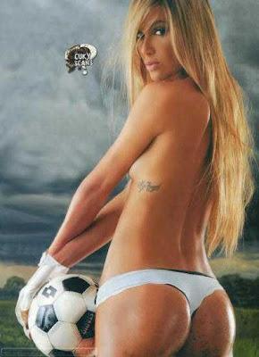 Cecilia Bonelli Revista Hombre Julio 2011