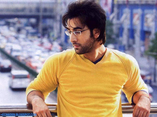 Ranbir Kapoor detained, fined for customs violation