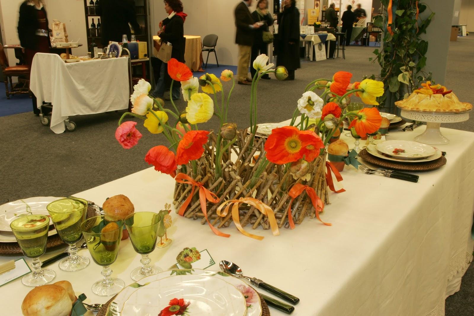 E orchestra di cucina fiori per una tavola estiva for Tavola per cucina