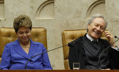 Alexandre Garcia ironiza  encontro casual entre Dilma e Lewandowski