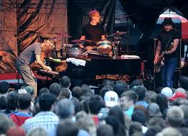 a description of ben folds five a band who started in 1994 Ben folds five began its 1997 hit album whatever and ever amen with a flashback september in '75, i was 47 inches high, sung pianist folds.