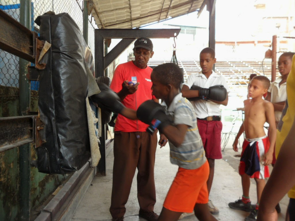 An image of Cuban children training boxing in Old Havana