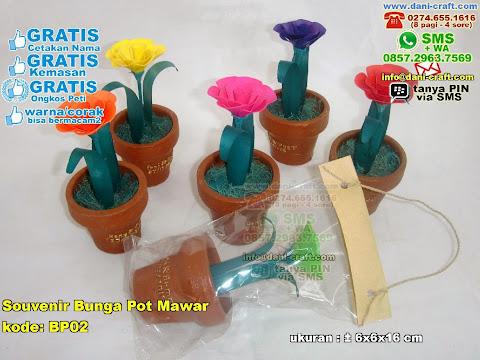 Souvenir Bunga Pot Mawar