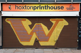 Hoxton Print house on wall graffiti letter W