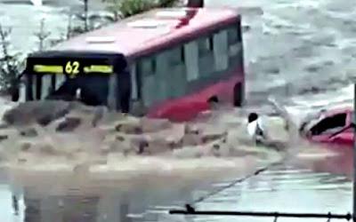 強引な路線バス