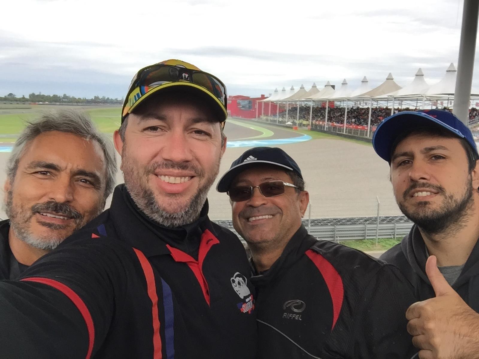 De moto no Mundial de Motovelocidade - MotoGP 2017
