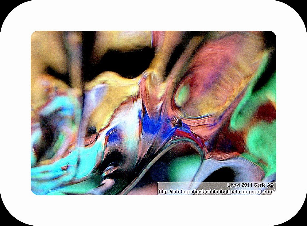 http://lafotografiaefectistaabstracta.blogspot.com/2015/04/abstract-photo-3358-falling-into-void.html