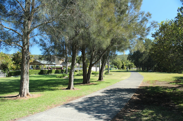 West Gosford walking/cycle path