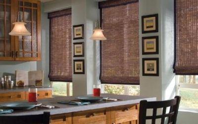 las persianas de lamas regulables pueden aportar calidez a cocinas modernas cuya decoracin minimalista y geomtrica tal vez pudiera resultar un poco fra