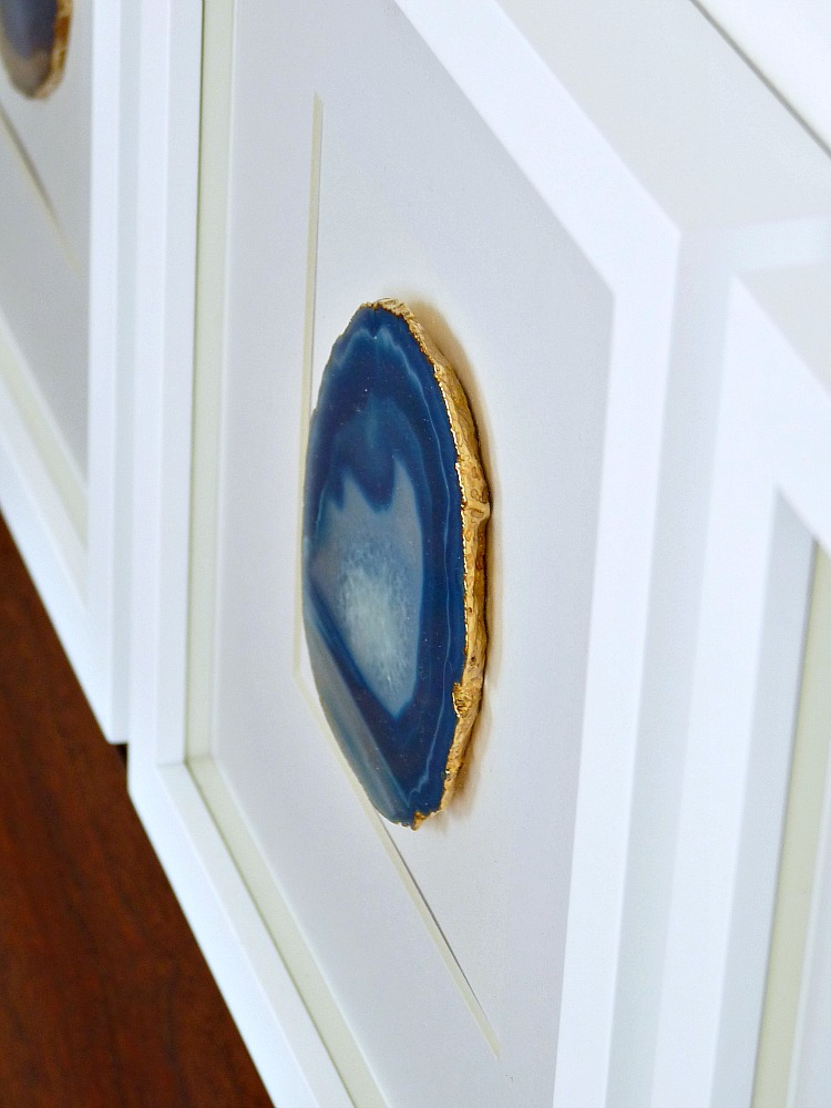 diy agate art framed blue agate slices dans le lakehouse