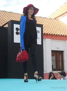 conjuntonegro-bolsorojo-kramelo-fashion-week-larinconada
