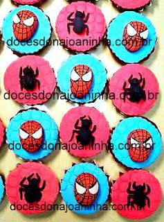 Docinhos modelados Homem Aranha cupcakes decorados
