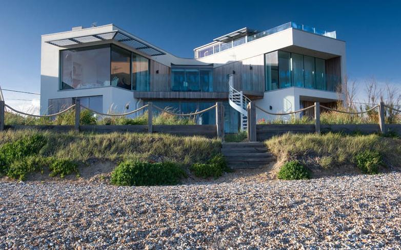 Un faro de ideas sea gem una casa en la playa - Casa de playa ...