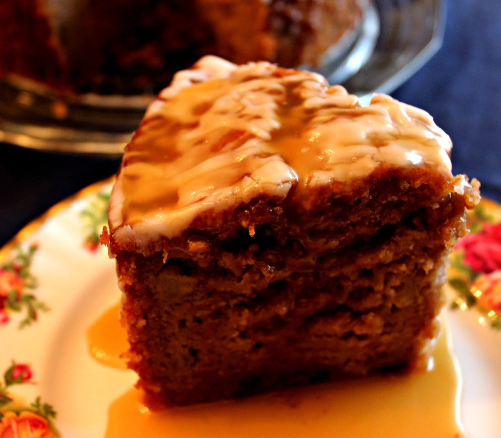 Sweet Tea and Cornbread: Fresh Apple Cake with Warm Caramel Sauce!