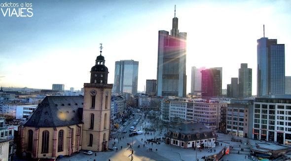 rascacielos y skyline de frankfurt