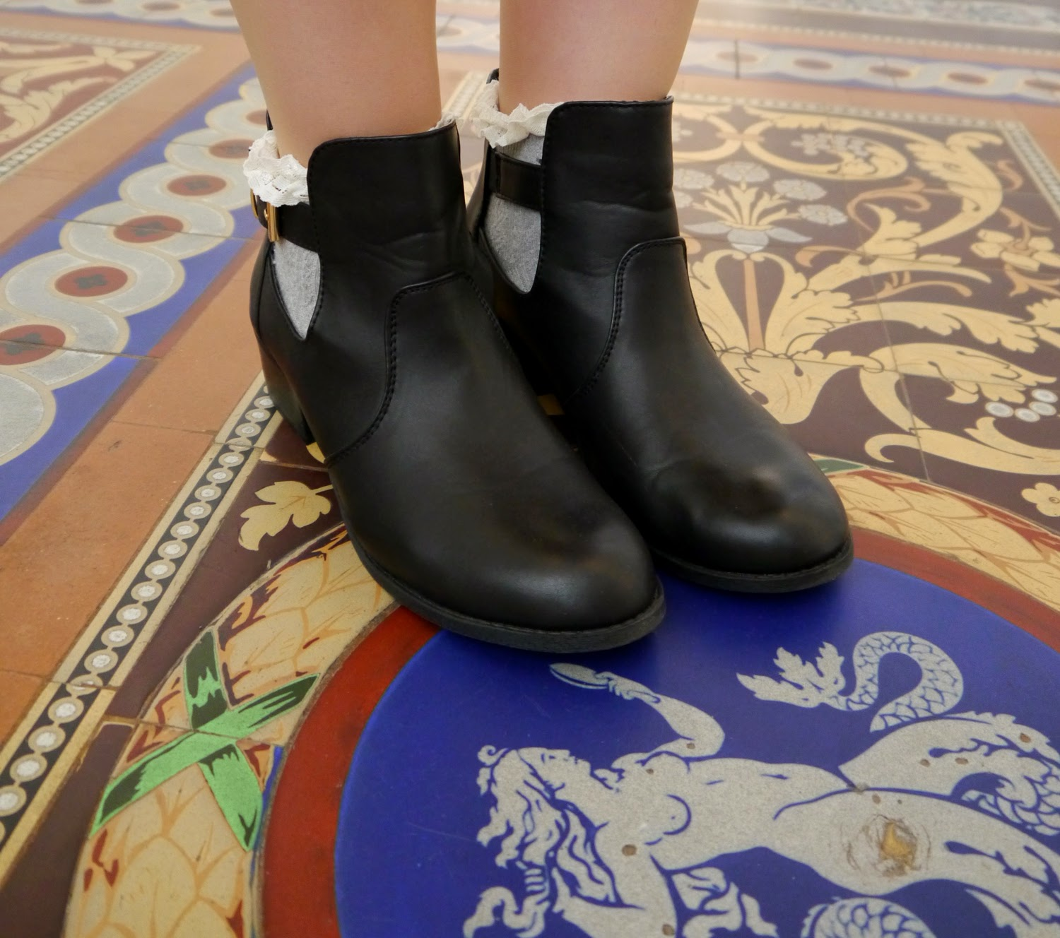 frilly ankle socks, Topshop, Primark, Oasis, boots, Roman tiles, national museum, scotland