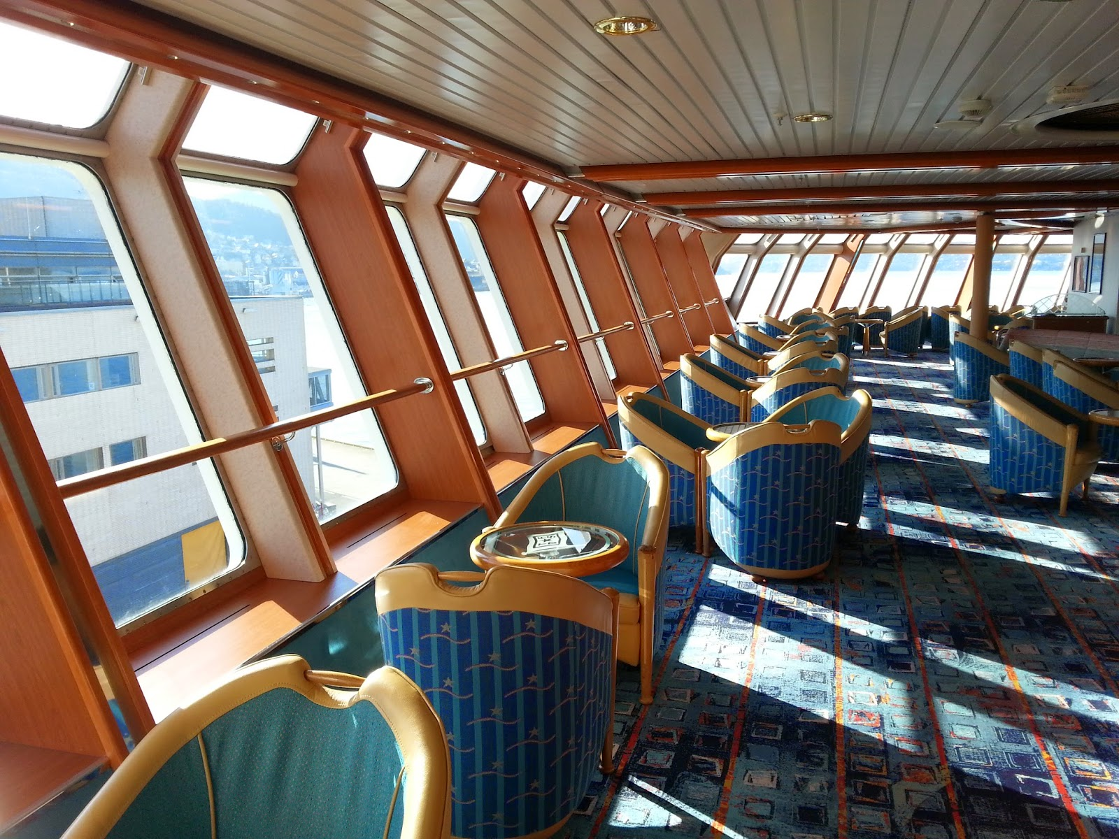 Hurtigruten MS Nordlys - Orion Panorama Lounge
